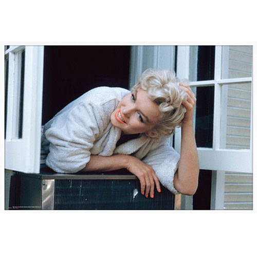 Marilyn Monroe Window Ledge 인테리어 포스터 (91x61cm)